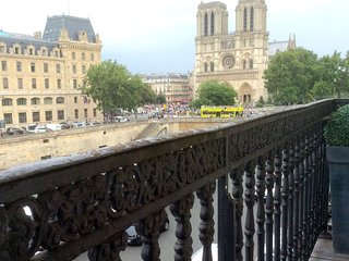 Balcony + River & Notre Dame Views  2 Free Cruises - Paris vacation rentals