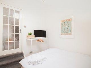 Franciscan 272 B&b Studio S4 - London vacation rentals