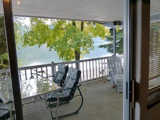 Cozy Waterfront Cabin - Sleeps 6 - Rathdrum vacation rentals