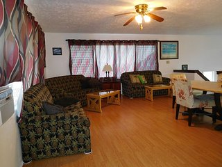 Waipahu Serene Retreat - w/ AC, great location - Waipahu vacation rentals