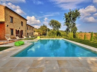 Comfortable Villa with Internet Access and Television - Penna San Giovanni vacation rentals