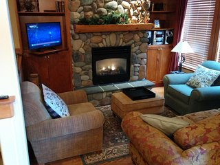 Luxury Townhouse 3BD+Den+Hot Tub+Ski in/out - Big White vacation rentals