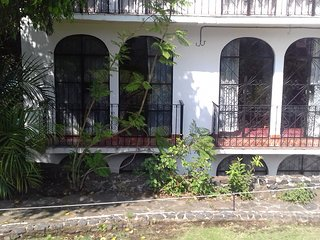 Nice Condo with Internet Access and Shared Outdoor Pool - Taxco vacation rentals