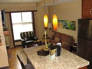 Modern and Chic 1 Bedroom Canmore Condo - Canmore vacation rentals