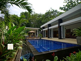 Lovely 4 bedroom Villa in Senggigi - Senggigi vacation rentals
