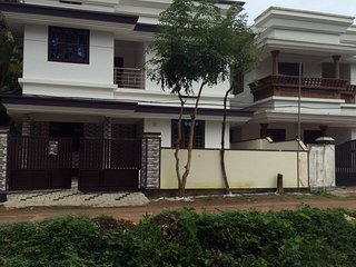 Nice Villa with A/C and Garage - Aluva vacation rentals