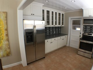 Cozy House with Television and Central Heating - Napa vacation rentals