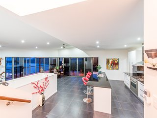 Casa Del Mar - Airlie Beach Holiday Home - Airlie Beach vacation rentals