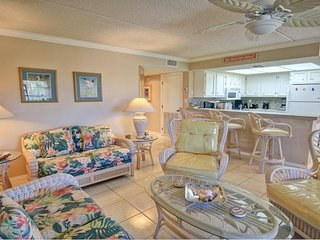 Sunny condo with shared pool, great location, and plenty of room! - South Padre Island vacation rentals