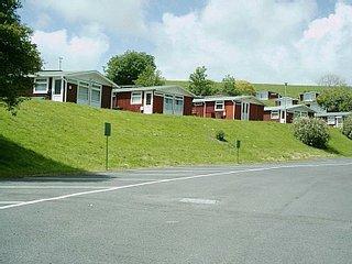 68 Elmrise Park, 3 Bedroom Self Catering Chalet - Sleeps up to 6 - Llansteffan vacation rentals