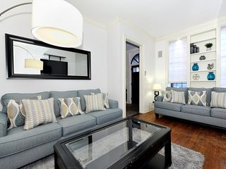 Huge 4BR/2.5BA Townhouse for 13 - Upper East Side! - New York City vacation rentals