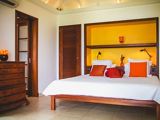 Bright 2 bedroom Villa in Corossol - Corossol vacation rentals