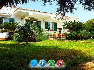 Villa Revoluta -Angolo di paradiso a 100m dal mare - Granitola vacation rentals