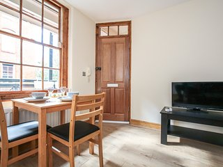 1 Bdr in Covent Garden!! - London vacation rentals