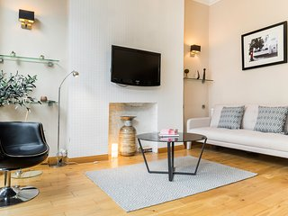 Lovely Notting Hill Apartment - London vacation rentals