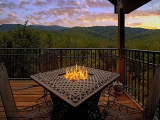 Beautiful Views from this 1 Bedroom Luxury Cabin! - Gatlinburg vacation rentals