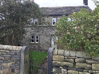 Butts Farm Top o the Lane Stocksmoor nr Holmfirth - Stocksmoor vacation rentals