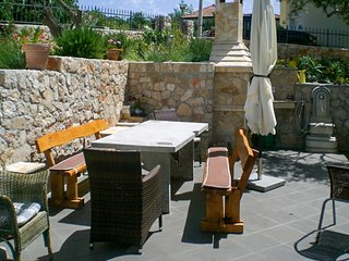 Gorgeous 2 bedroom Vinisce House with Internet Access - Vinisce vacation rentals