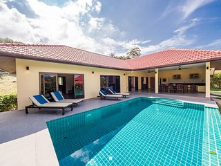 3BR Zanzibar Villa Walk to Beach - Choeng Mon vacation rentals