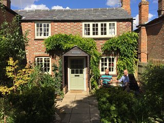 Chilterns cottage for romantics, executives, walkers, cyclists, families & dog - Watlington vacation rentals