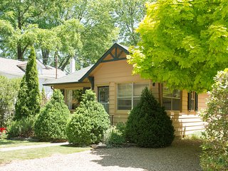 Beautiful House with Deck and Internet Access - Niagara-on-the-Lake vacation rentals
