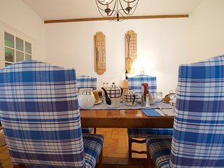 Romantic 1 bedroom Bed and Breakfast in Navarrenx with Shared Outdoor Pool - Navarrenx vacation rentals