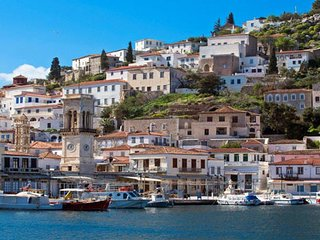 Aegina Island Near Sea Flats Sleep 4 - Aegina Town vacation rentals