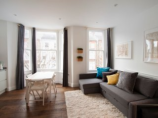 ~ Bravington Newly Refurbished Two bed Flat2  ~ - London vacation rentals