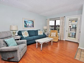 1 bedroom Apartment with Shared Outdoor Pool in Gulf Shores - Gulf Shores vacation rentals