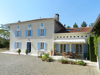 Comfortable 6 bedroom Vacation Rental in Saint Sever - Saint Sever vacation rentals