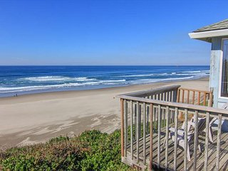 Cozy Oceanfront Cottage w/Stunning View - Lincoln City vacation rentals