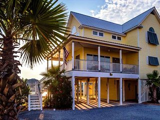 Awesome Location~Spectaular Views~Sleeps 12!!! Pet Friendly!!! - Gulf Shores vacation rentals