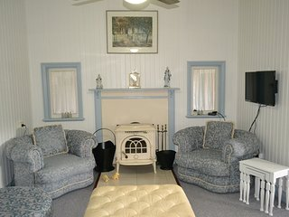 Bright Stanthorpe vacation House with Washing Machine - Stanthorpe vacation rentals