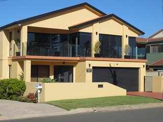 Pelicans Rest Shellharbour S/C studio units - Shellharbour vacation rentals