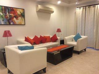 Evergreen- 3 BHK Service Apartment in Saket Near Max Hospital - New Delhi vacation rentals