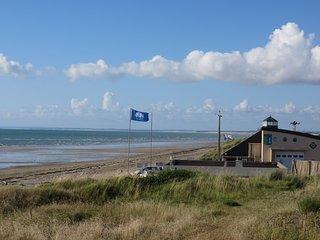 Maison 100 m superbe plage de sable, wifi gratuit - Gouville-sur-Mer vacation rentals