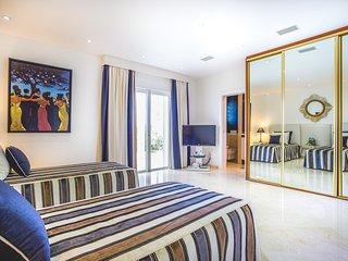 4 bedroom Villa with Private Outdoor Pool in Petit Cul de Sac - Petit Cul de Sac vacation rentals