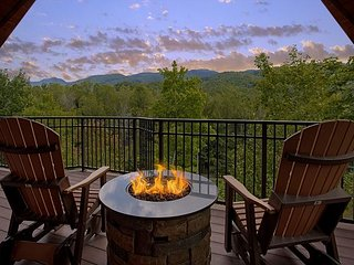BRAND NEW  - Unrestricted views of the smokies in this Luxury getaway cabin. - Gatlinburg vacation rentals
