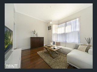 Nice 3 bedroom Beaconsfield House with Internet Access - Beaconsfield vacation rentals