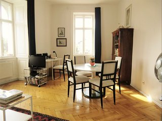 Augarten Blick apartment in 20. Brigittenau with WiFi & lift. - Vienna vacation rentals