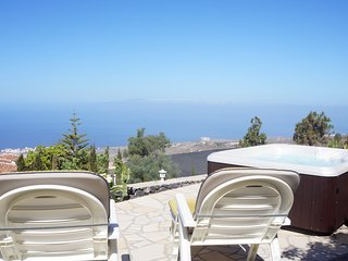 Great Apartment for 2p. , Outdoor Jacuzzi, WIFI - Adeje vacation rentals