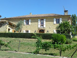 La Grande Borde Auch Tranquil Luxury Country House - Castelnau-Barbarens vacation rentals