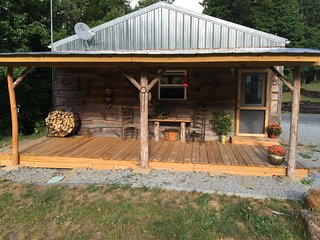 Beautiful Cabin with Internet Access and Television - Elk Park vacation rentals