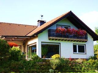 Traumferienwohnung mit Panoramablick u. 2 Balkonen - Wenholthausen vacation rentals