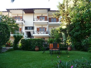 Beautiful 2 bedroom Toroni Apartment with Internet Access - Toroni vacation rentals