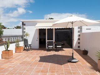 2 bedroom Condo with Internet Access in Costa Teguise - Costa Teguise vacation rentals