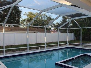 Lovely 4 bedroom House in Bradenton with Internet Access - Bradenton vacation rentals