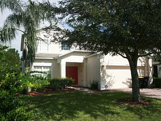 Upscale 5 BR 4 BA Pool Home in Legacy Park's High Gate - Davenport vacation rentals