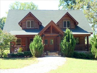 Upscale Log Home on the White River! - Cotter vacation rentals