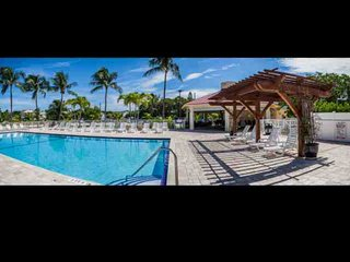 Spacious Condo in the Tropical Futura Yacht Club with Free Boat & Trailer - Tavernier vacation rentals
